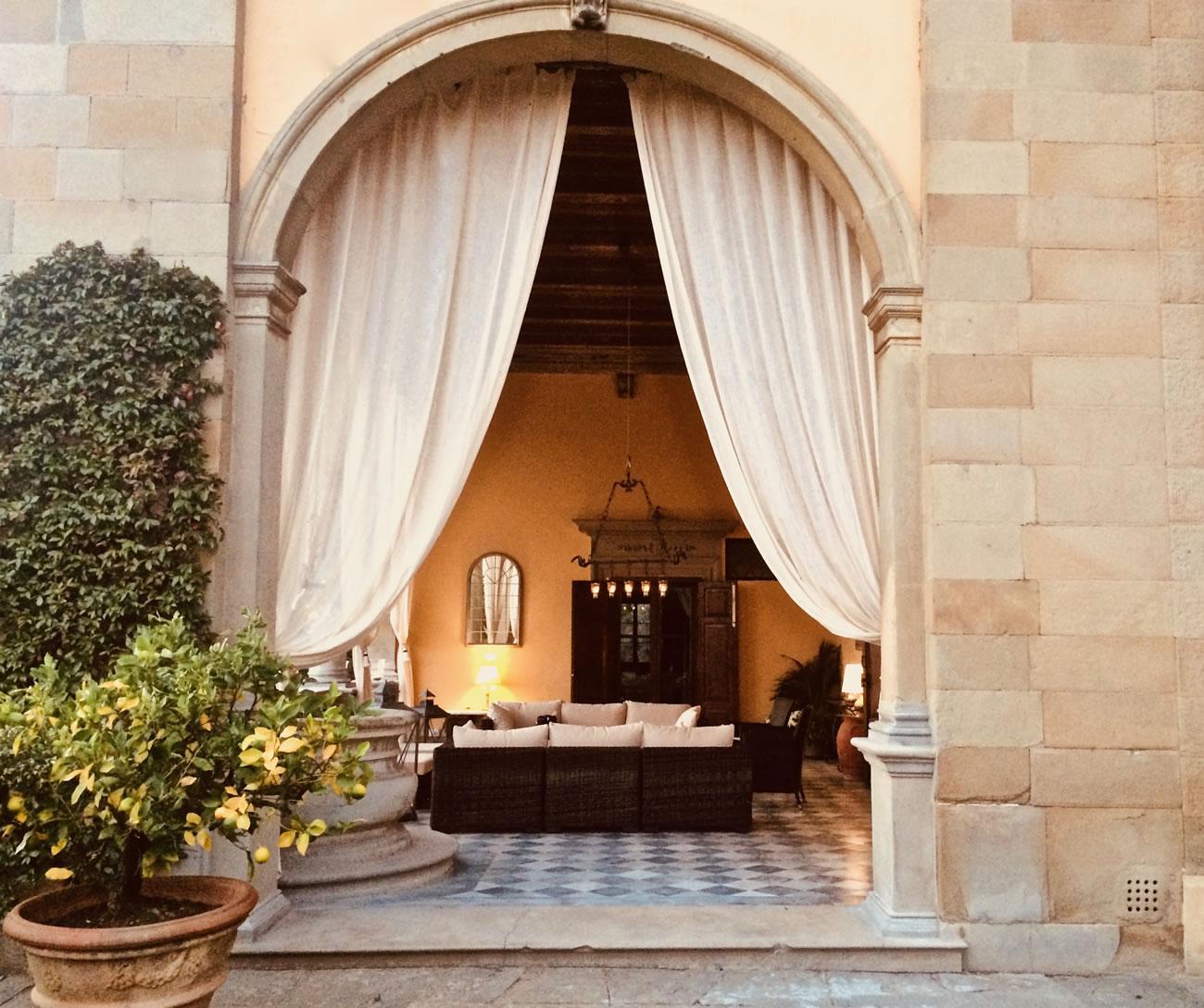 Tuscan-venue